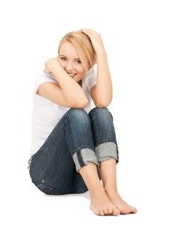 幸せでのんきな10代の少女の明るい写真 Premium写真