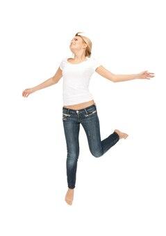 Яркая картина счастливой и беззаботной девочки-подростка