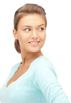 Яркая картина счастливой и улыбающейся женщины