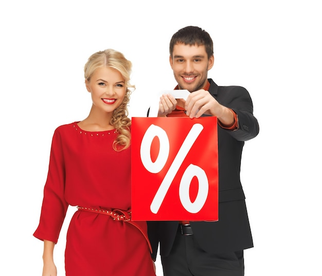 Яркое изображение мужчины и женщины с сумкой для покупок