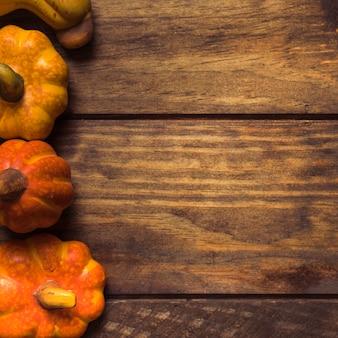 明るい熟した秋のカボチャの組成