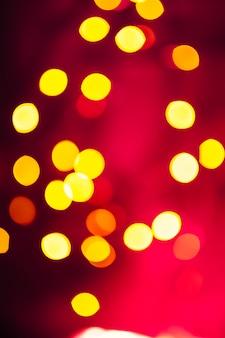 赤色の明るい斑点