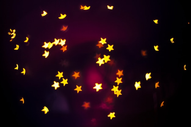 暗い背景に明るい星