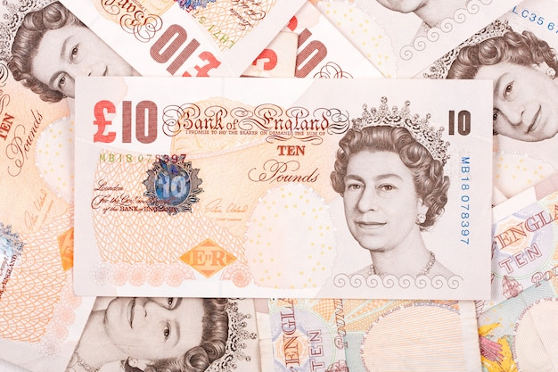 Британские фунты, бизнес фон