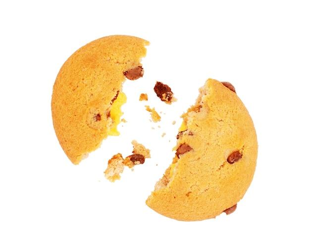 흰색 배경에 비행 중에 깨진 쿠키