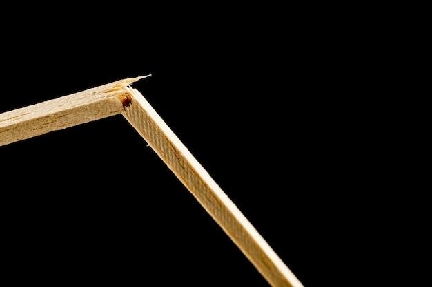 Сломанная палка, полезная для понимания стресса