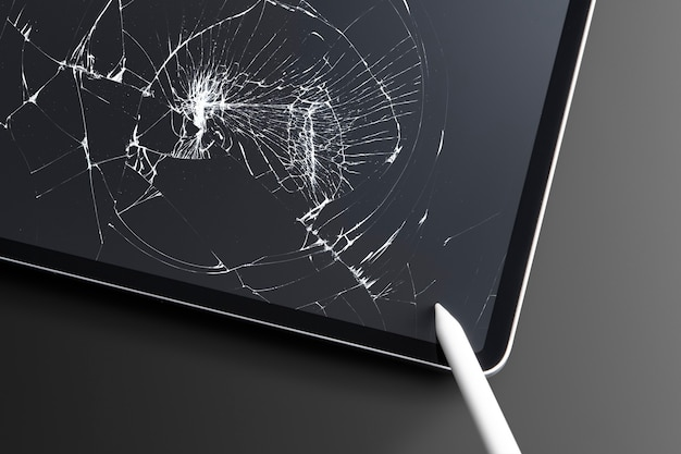 Tablet rotto con schermo rotto vetro rotto