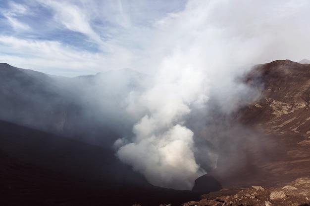 インドネシア、ジャワ島のブロモ火山