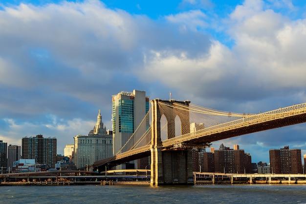 Brooklyn bridge view and manhattan skyline