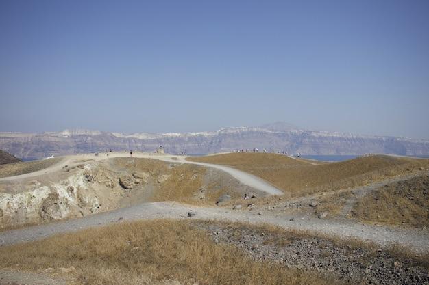 Коричнево-бежевая дорога