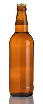 白い表面に茶色のビール瓶