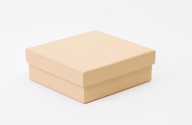 흰색에 갈색 상자