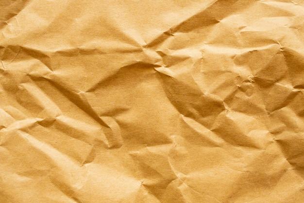 Текстура коричневой мятой бумаги