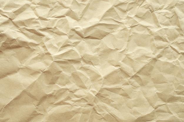 茶色のしわくちゃのリサイクル紙のテクスチャ背景
