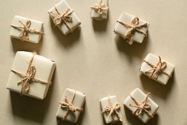 갈색 선물 상자갈색 종이 패키지 및 선물