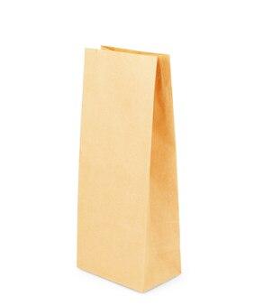흰색 배경에 고립 된 갈색 종이 봉지