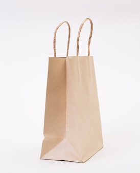白地に茶色の紙袋