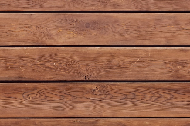Коричневый деревянный пол