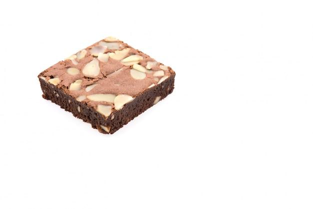 Brownie isolato su bianco
