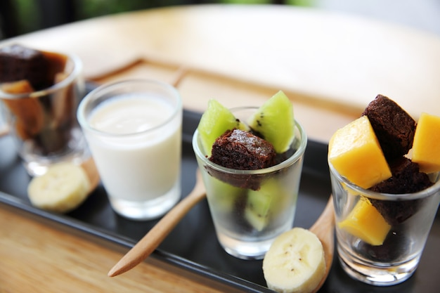 Brownie with fruit