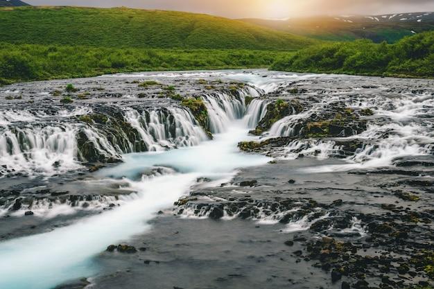 Водопад бруарфосс в бреккускогур, исландия.