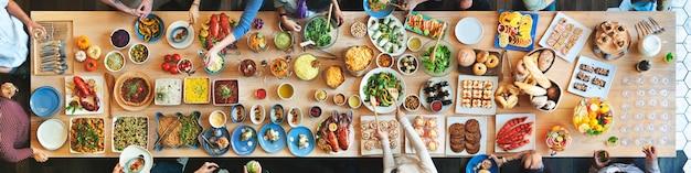 Толпа выбор бранч обедает варианты еды концепции питания