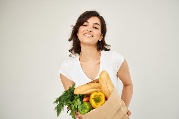 식료품 야채 건강 식품 스튜디오 패키지와 함께 갈색 머리