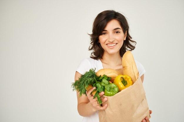 食料品野菜健康食品スタジオのパッケージとブルネット