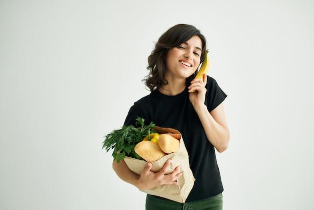 식료품 야채 건강 식품 패키지와 함께 갈색 머리