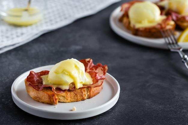 Bruschetta with parma ham and egg benedict,