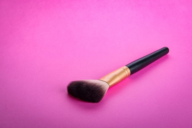 Brush for applying cosmetic make-up