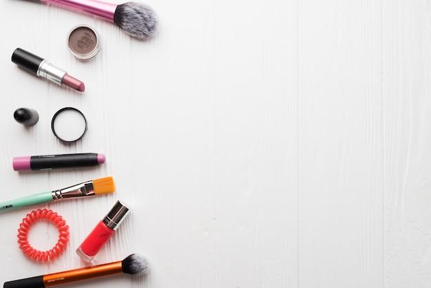 ブラシおよび各種化粧品