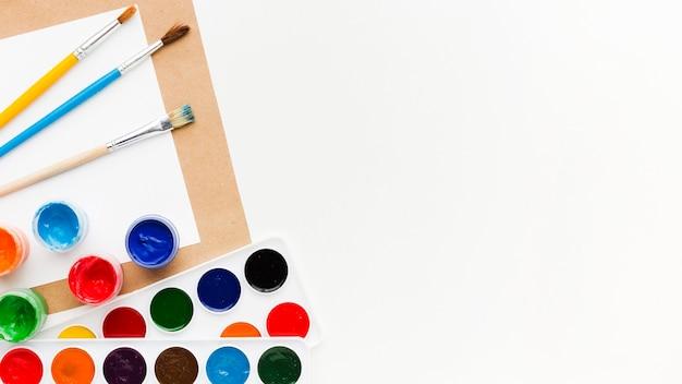 Кисти, творчество и художественная концепция
