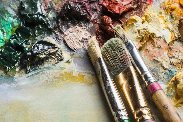 Brushes on dirty palette