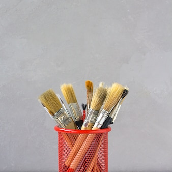 Brushes for drawing gray