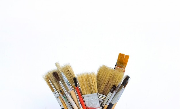 Brushes for drawing white