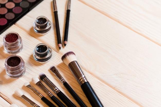 Brushes and eyshadows makeup artist set