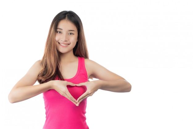 Красивая женщина, осмотр груди самостоятельно (bse) осведомленность рака молочной железы (bse).