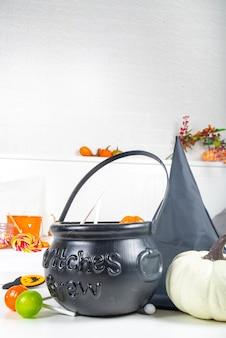 Ведро со сладостями казан ведьмы с тыквами