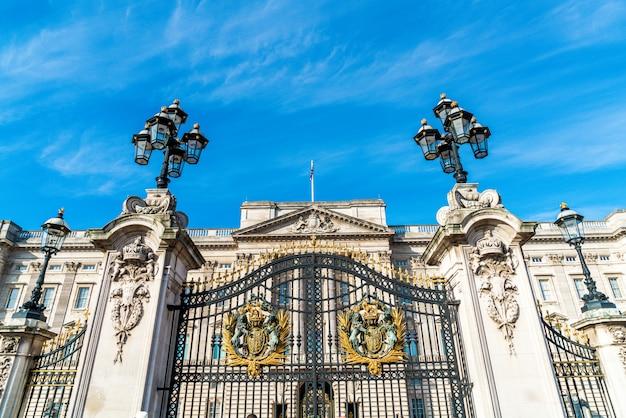 Букингемский дворец в лондоне, великобритания