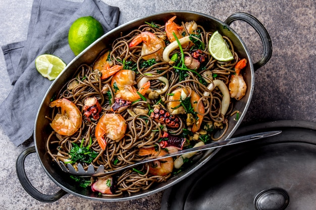 Buckwheat noodles with seafood