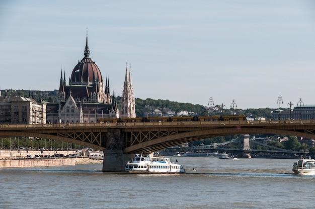 Budapest danube river bridge parlament hungary