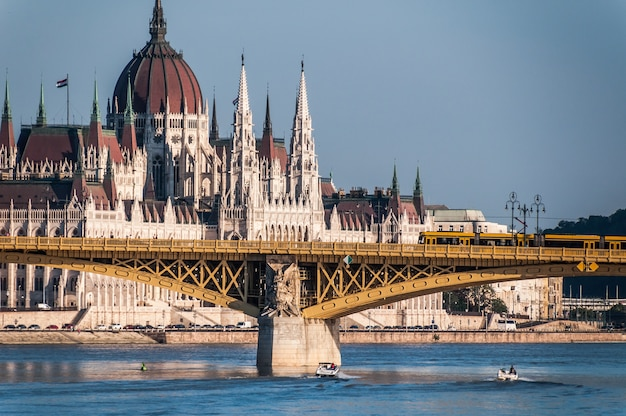 Budapest danube river bridge parlament hungary