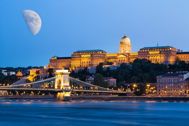 Budapest during blue hour szechenyi chain bridge