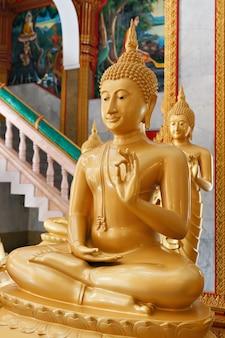Buddhas inside the wat chalong