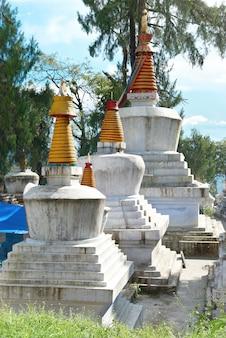 인도 수도원의 불교 사리탑. 인도, 시킴