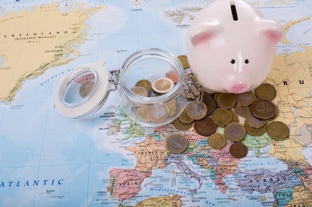 予算の旅行、あなたの旅行の概念のために保存してください。