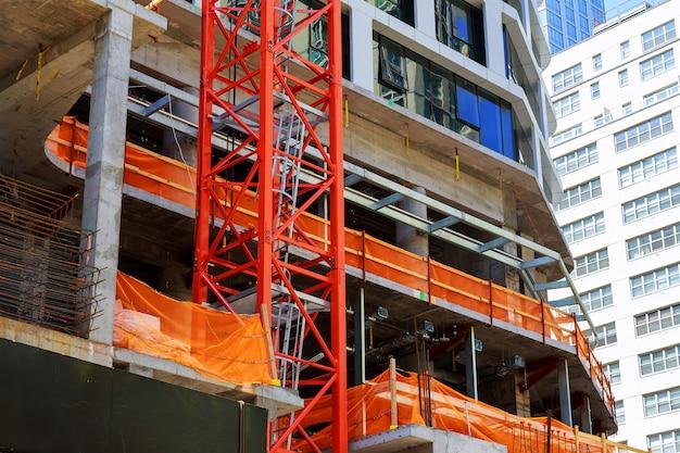 Building under construction in manhattan