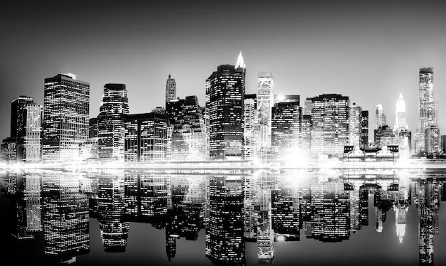 Здание небоскреб панорамная ночь нью-йорка концепции