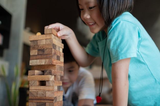 ウッドブロックの構築、計画と戦略